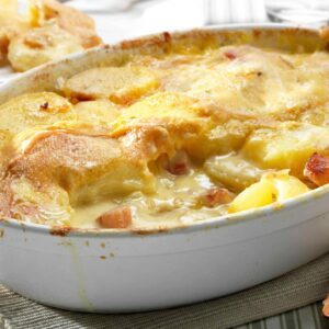 DAILY - tartiflette with green salad