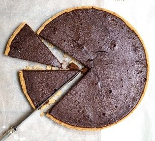 DESSERT - chocolate and salted caramel tarte